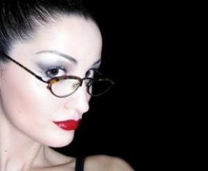 Szemfestés szemüvegeseknek